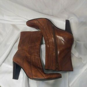 Womens Antonio Melani Short Brown Heeled Boots